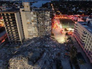 Surfside_condominium_collapse_photo_from_Miami-Dade_Fire_Rescue_1-300x225