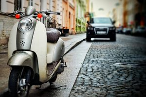 scooter-5180947_640-300x200